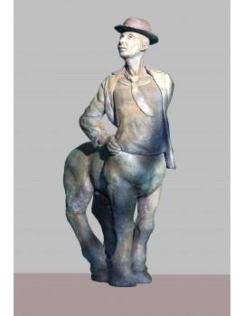 Terre cuite patinée ------- 38 x 67 x 20 cm. 'Centaure'.